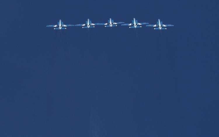 F-182.jpg