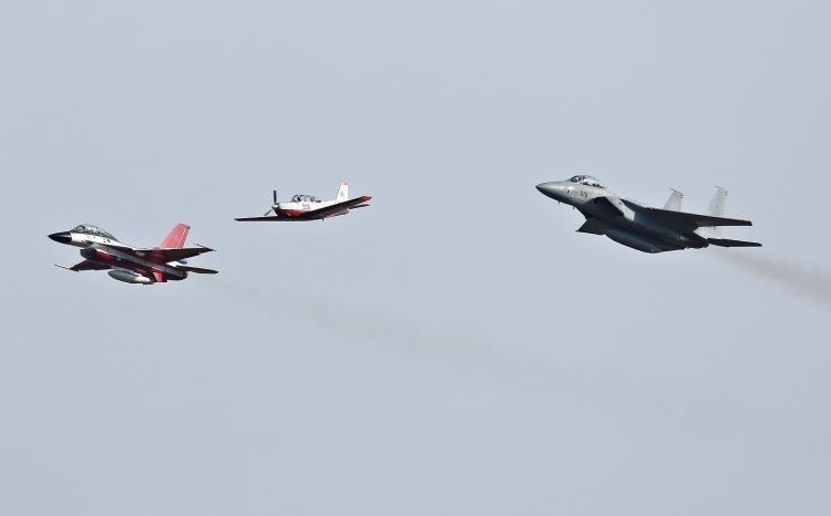F-421.jpg
