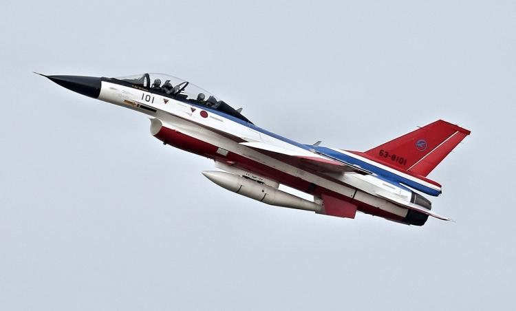 F-584.jpg