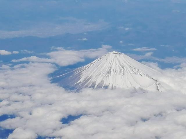 帰りの飛行機の富士山web