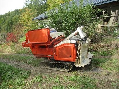 脱穀機械出動