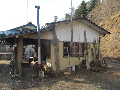 ストーブの小屋1