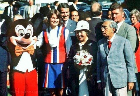 HirohitoAtDisneyland-WA.jpg