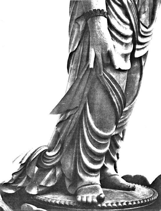 風動表現の法華寺・十一面観音像の衣