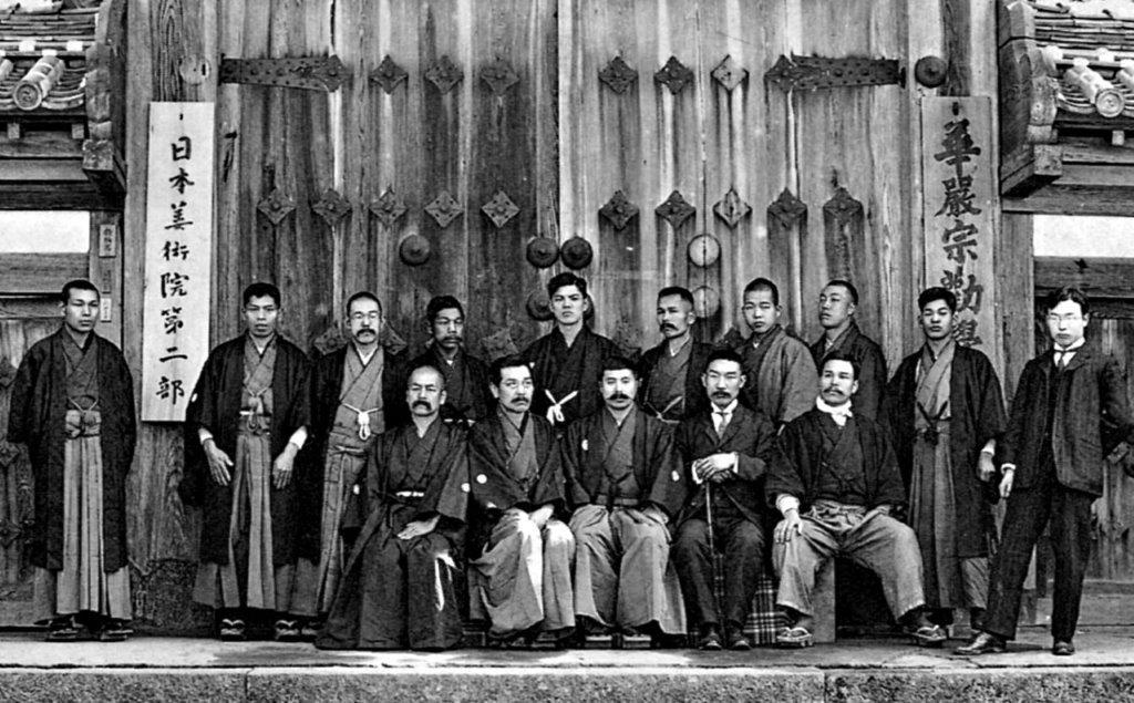 明治39年日本美術院第2部発足記念写真(東大寺勧学院前)