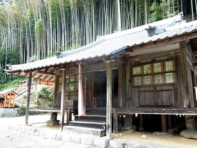 薬音寺・本堂