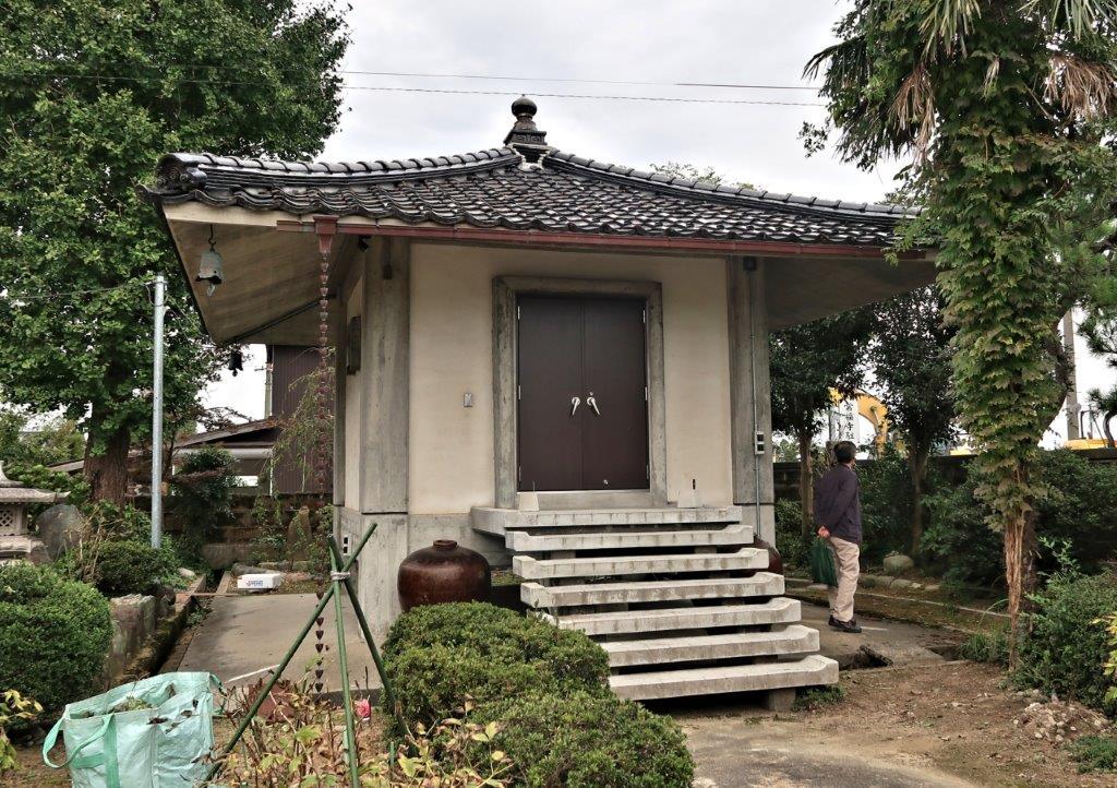 常福寺・阿弥陀如来像が安置される収蔵庫