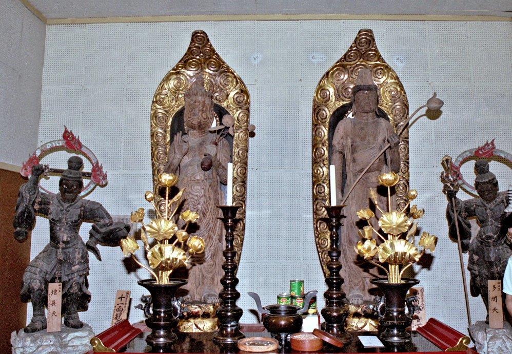 常楽寺観音堂の十一面観音像・聖観音像