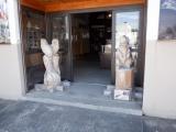 秋田内陸縦貫鉄道阿仁合駅 内陸線資料館前の木像