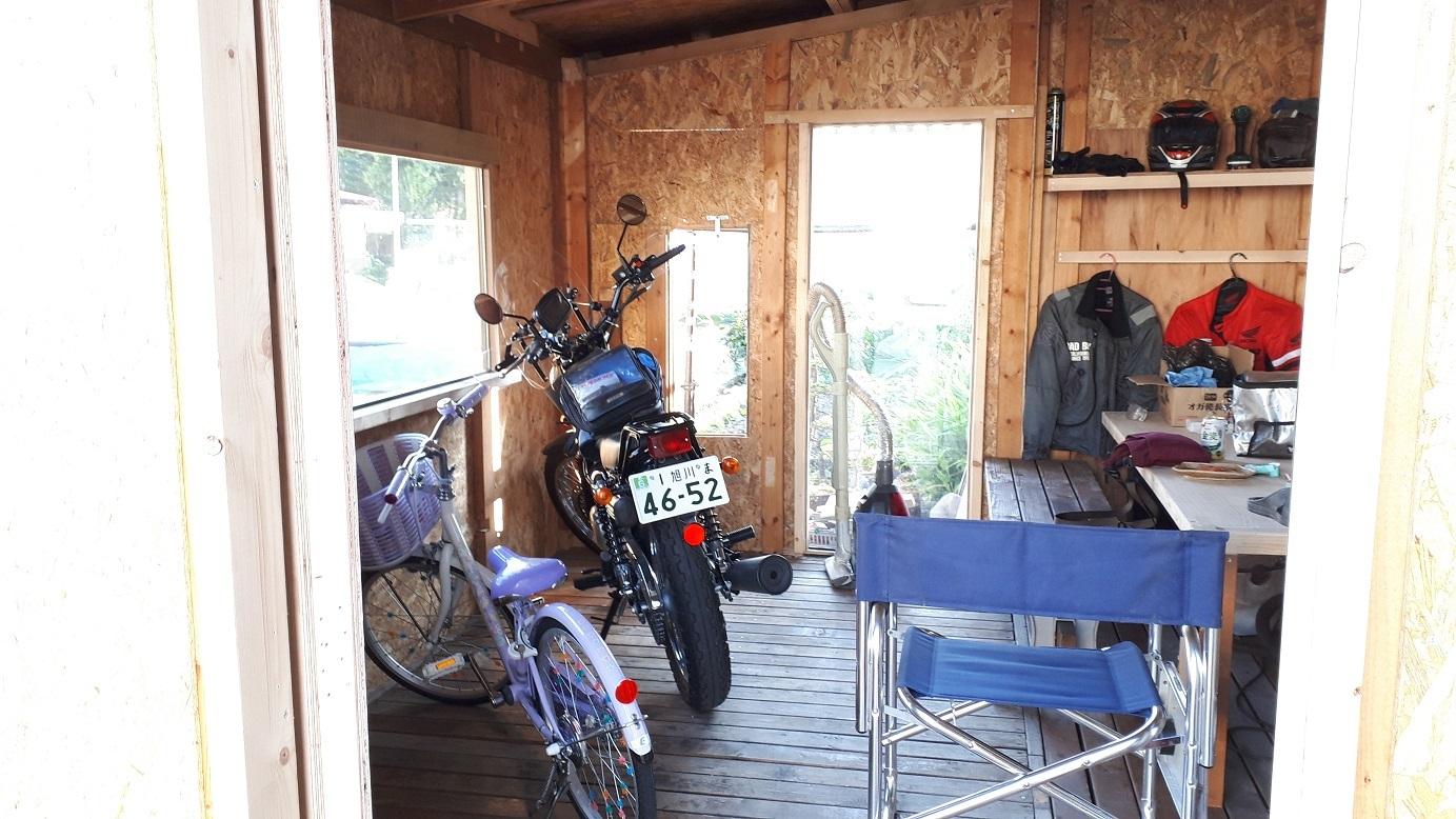 バイク小屋