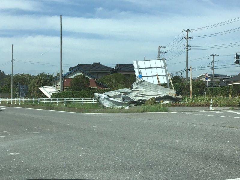 taifuu15gou_jimusho_18.jpg