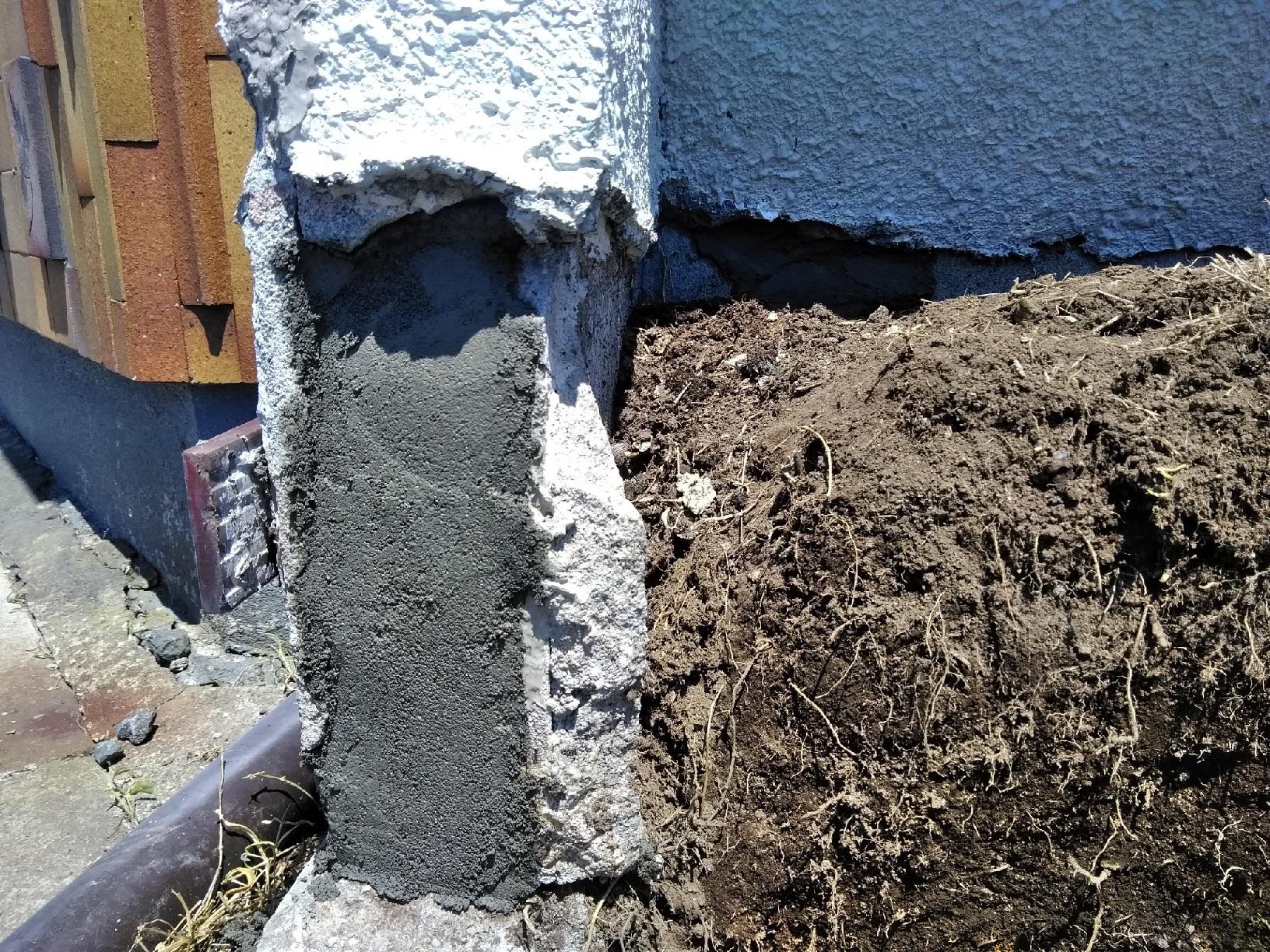 治水町K様邸 花壇 外壁破損箇所補修1