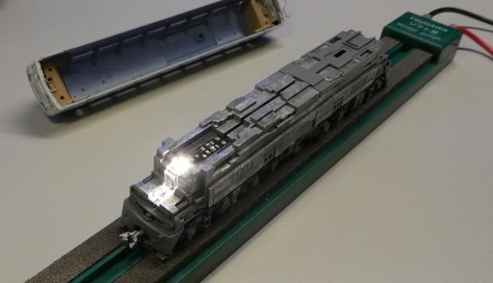 tomix 9128 EF66 ボディ外しヘッドライトLED交換後