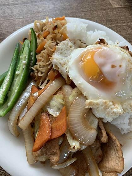 野菜もたっぷりの生姜焼きワンプレート