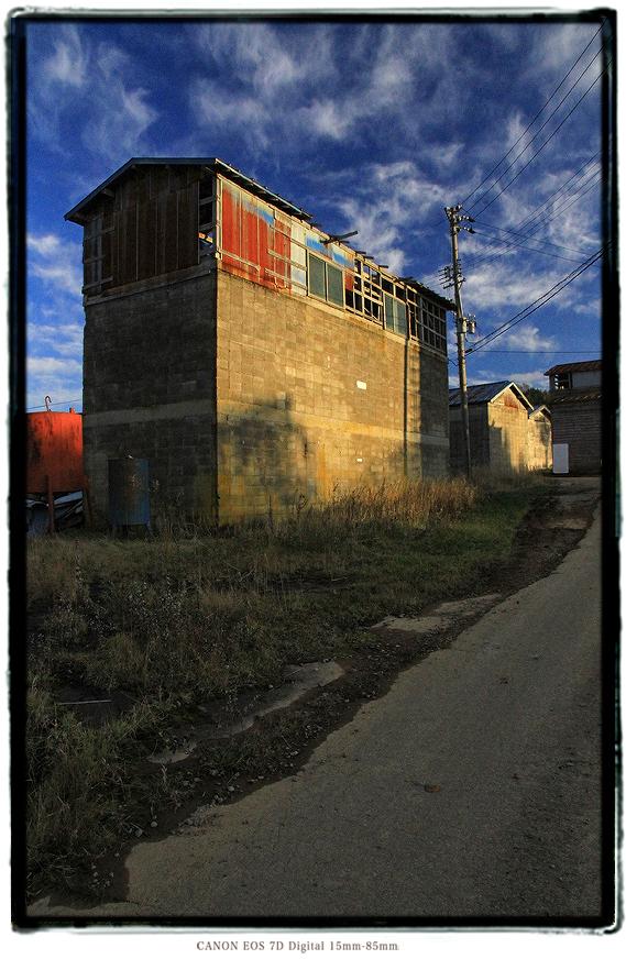 牧場の廃墟1911niigata0406.jpg