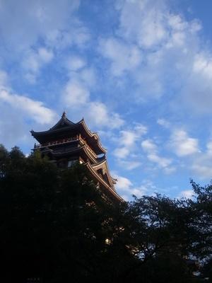 桃山城と秋の空1909