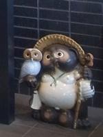 甲賀市役所エントランス信楽焼狸1909
