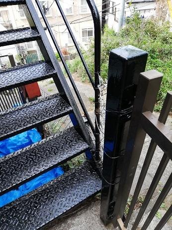 黒塗装階段