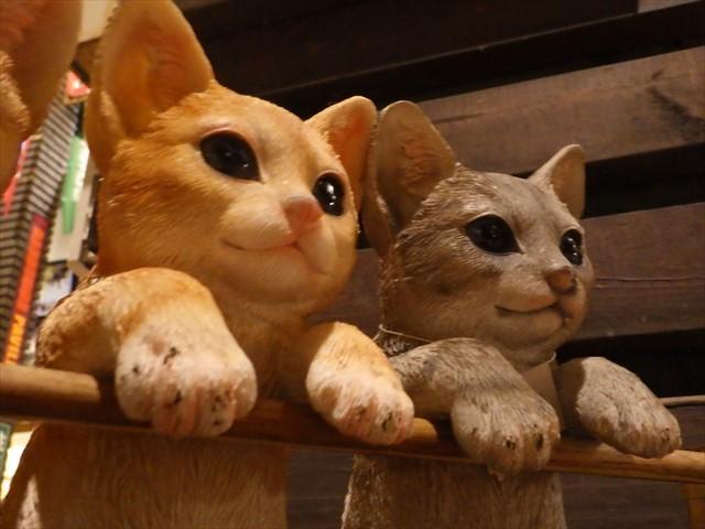 ハンズマン 猫の置物