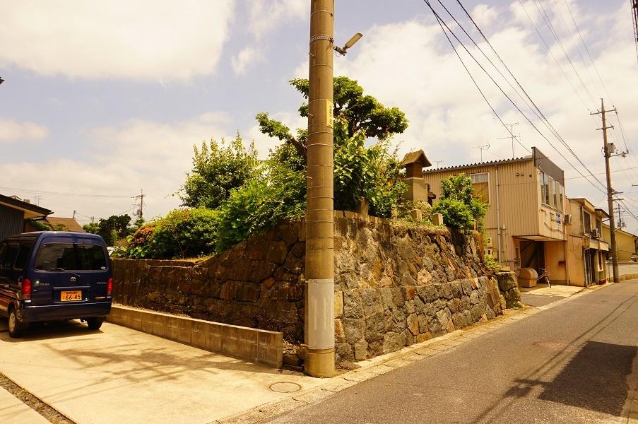01 塚山古墳遠景