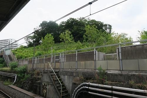 上中里駅ホーム