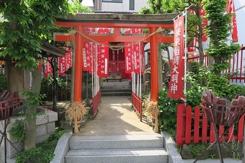 101 装束稲荷神社a