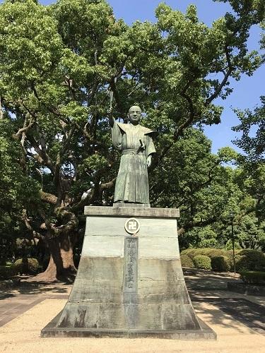 徳島城 蜂須賀家正公像a