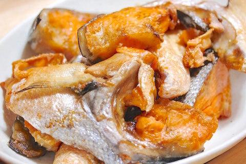 鮭のカマのオーブン焼き