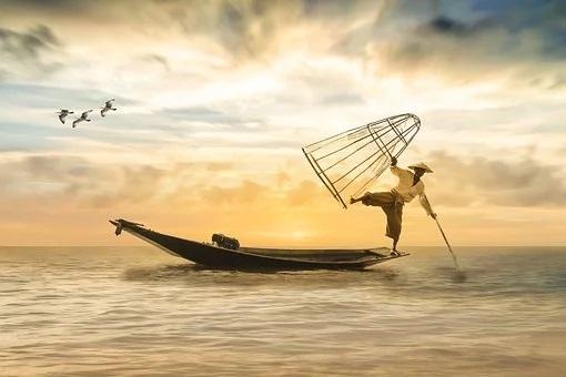 fisherman-2739115__340.jpg