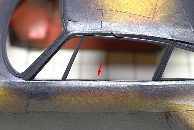 7098 窓枠損傷 640×430