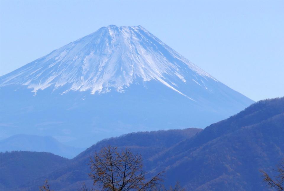 0637 日向山からの富士400mm相当 960×645