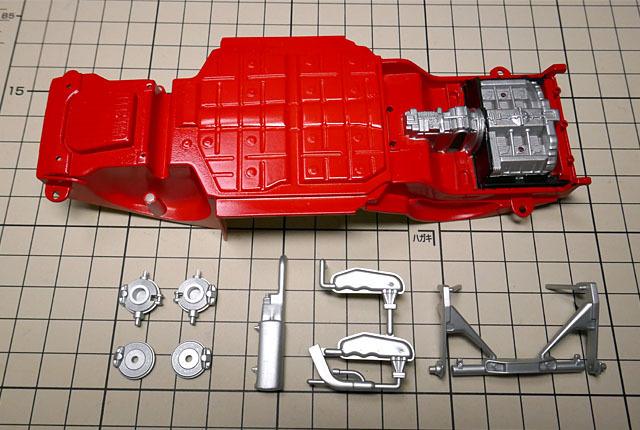 0195 エンジン部品等塗装 640×430