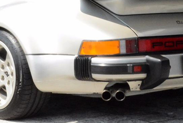ポルシェ 911 ターボ マフラーエンド 640×430