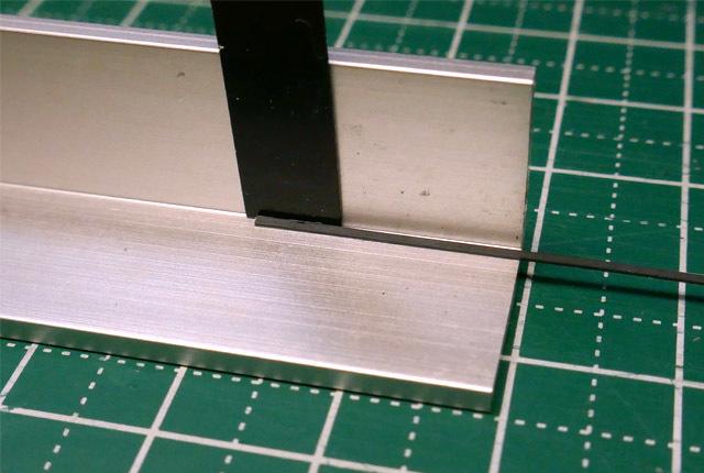 0430 アルミ山形材利用で直角に接着 640×430