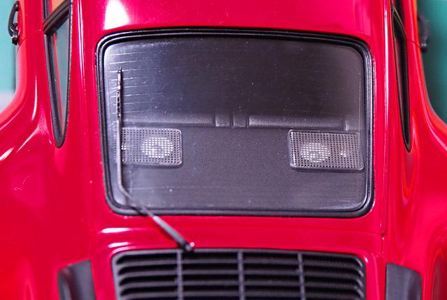 2360 911 ターボ リアスピーカー 640×430