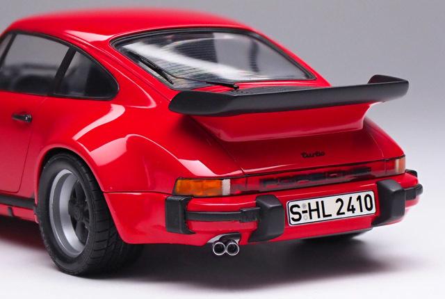 2135 911 ターボ テールランプ 640×430