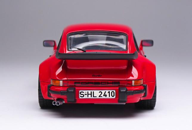 2090 911 ターボ 背面 640×430
