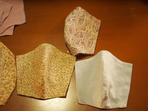 立体マスク うさこの洋裁工房さんより型紙を借用