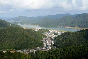 山頂から見た温泉街