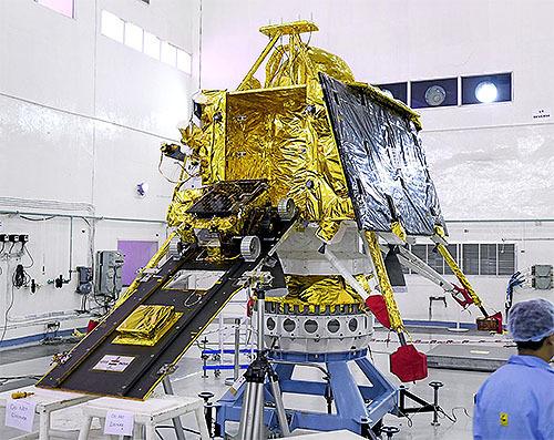 インドの月探査機「チャンドラヤーン2号」