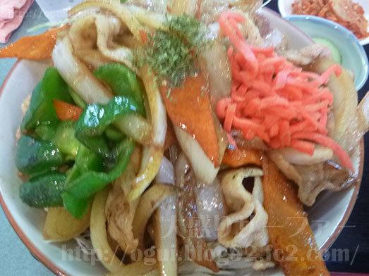 金曜日の焼肉丼大盛り027