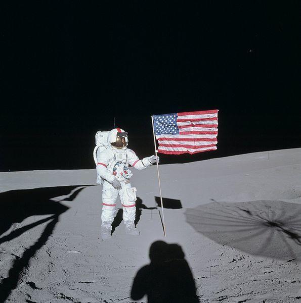 【冷戦時】アポロ11号の月面着陸は「捏造」だという陰謀論が消えない理由