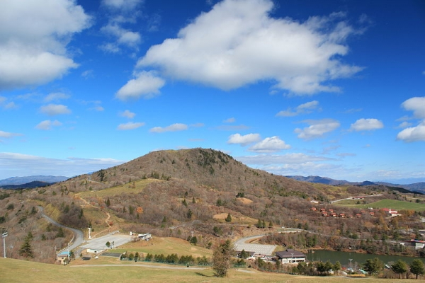 800px-Mount_Chausu_from_Mount_Hagitaro.jpg