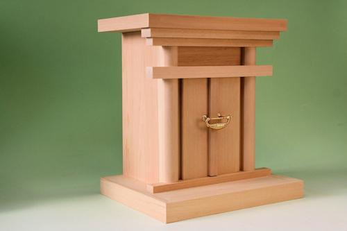 神道専門店の御霊舎 尾州桧で作る霊舎