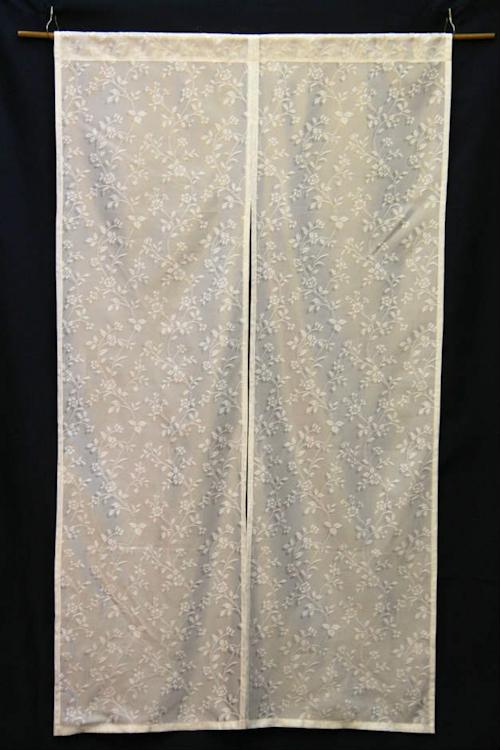 カーテンレースで作った暖簾