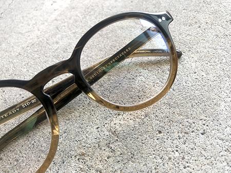 steady めがねフレーム クラシックでおしゃれな眼鏡 見附市のメガネ店