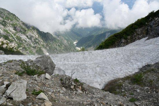 19唐松岳11雪渓