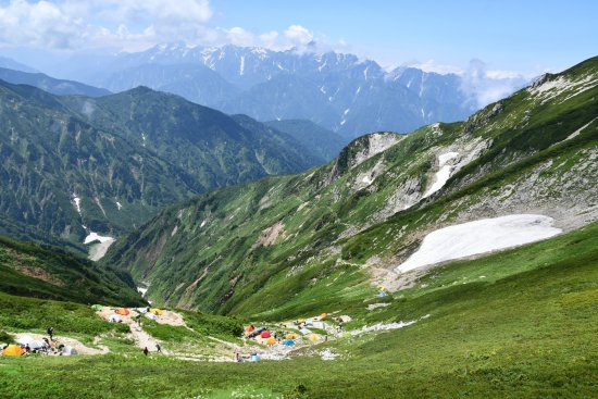 19唐松岳12山荘前から立山方面