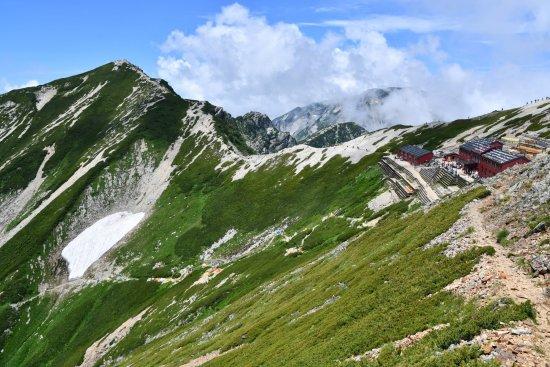 19唐松岳15山頂、山荘
