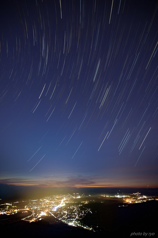 街灯りと星グルグル_2